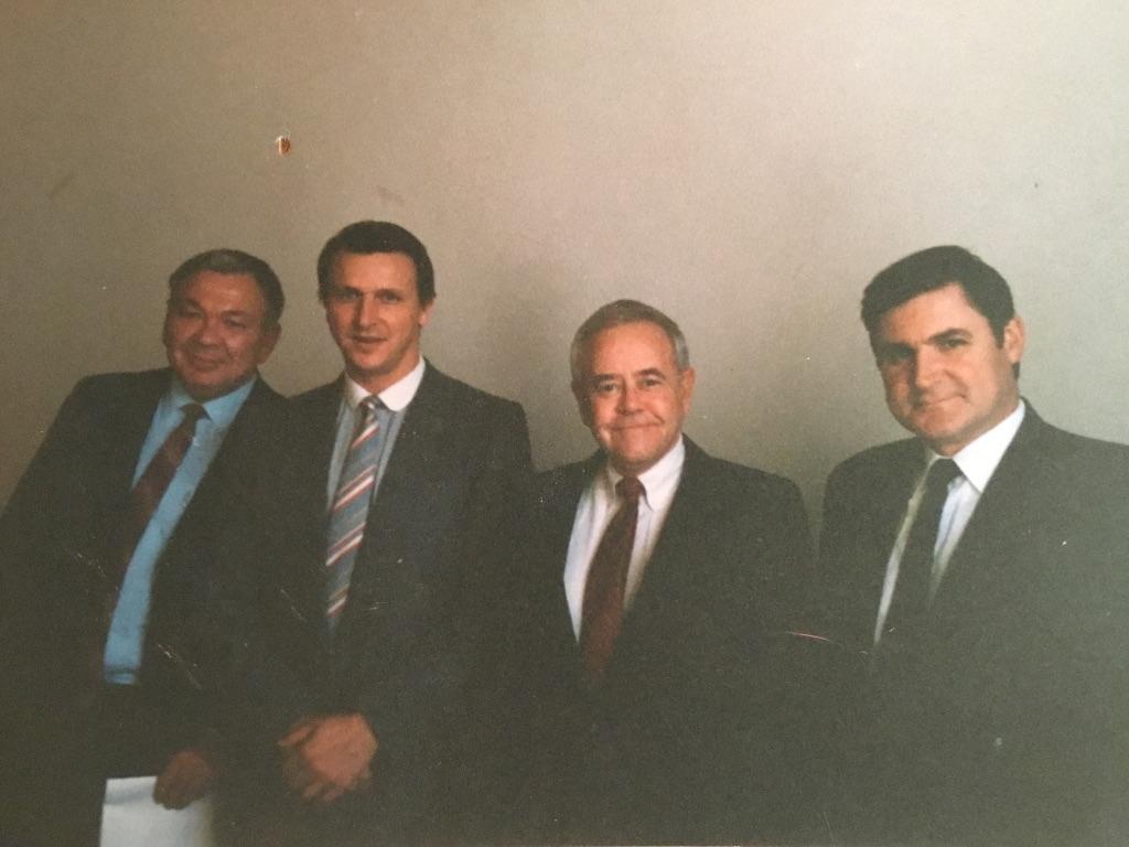 Второй слева - первый президент ВААД ГА Евгений Игранов
