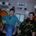 Твердохлеб А.И. на КДП авиабазы с дежурной сменой офицеров ВВС США.