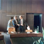 1993, Москва. Перед заседанием РАКГАТ. М.Ушаков, Т.Шаройченко и Фрэнк Прайс - ФАА США)