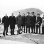 делегация СССР ожидает делегацию ФАА США после прилета в Бухту Провидения (у гостинницы, ноябрь)