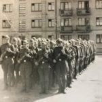 Выпуск 1965. В первой шегенге (справа) курсант В.Шелковников