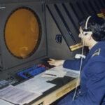 1981г. Оператор за пультом автоматизированной системы системы управления воздушным движением