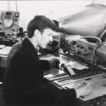 Рабочее место диспетчера УВД диспетчерского пункта Минского аэропорта конца 60-х начала 70-х годов ХХ века, за диспетчерским пультом диспетчер УВД Шиманец И.В.