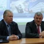 Глава Республики Гапликов С.А. и директор Захаров В.Г.