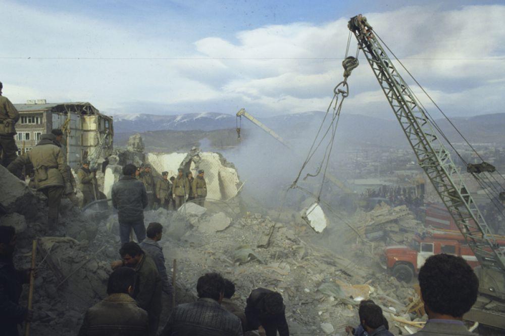 Фото Спитакской катастрофы