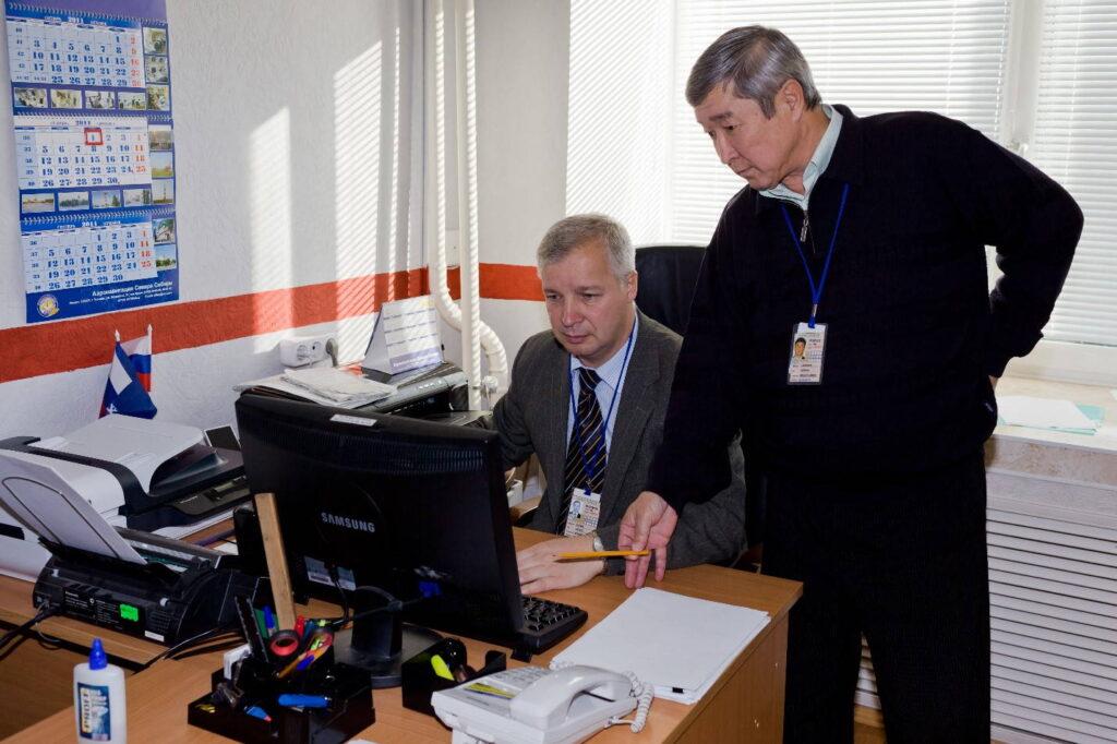 Гогин С.В.-начальник службы движения 2008-2012 гг. и начальник Надымского центра ОВД Накипов Н.Н. 2008-2011 гг.